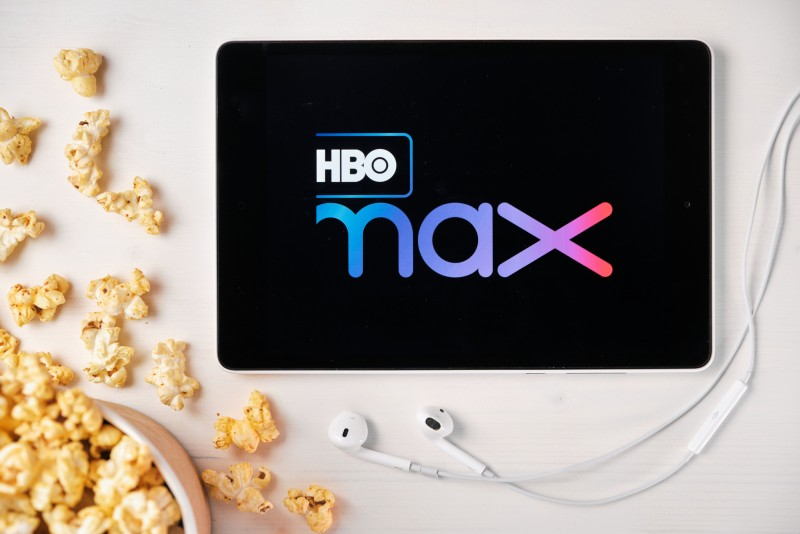 advantages and disadvantages of hbo max